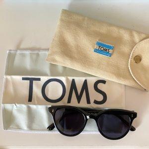 EUC TOMS Aaryn sunglasses